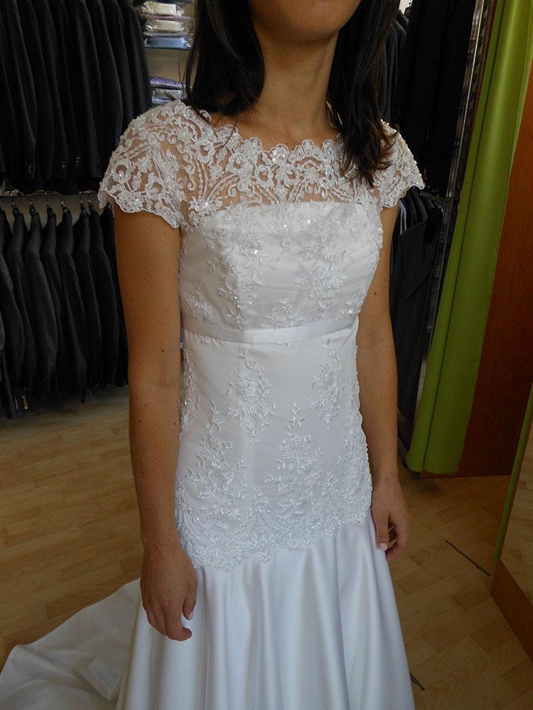 72a17806dfc Dámské svatební šaty a kostýmky pro nevěsty Mahdall   Lenská Brno